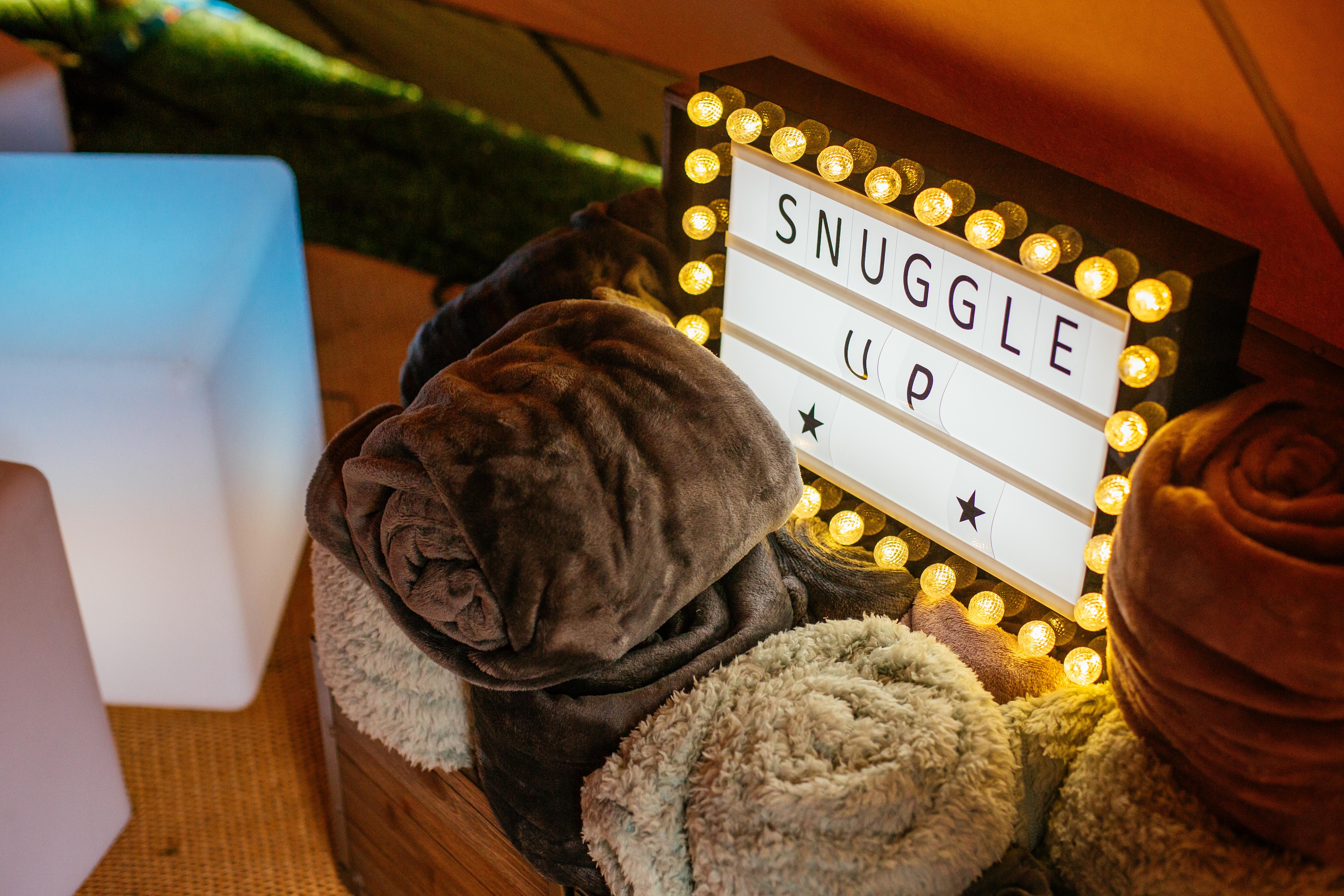tipi wedding styling ideas